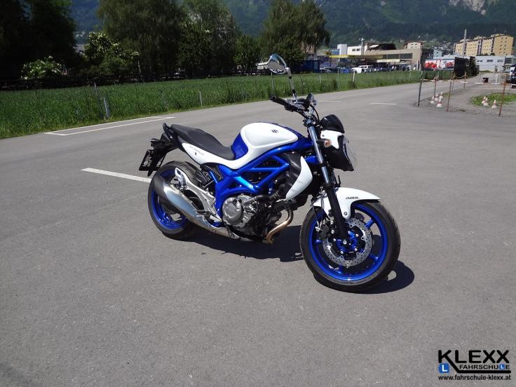 Fahrschule_innsbruck_Fahrschule_Klexx_Motorradführerschein1