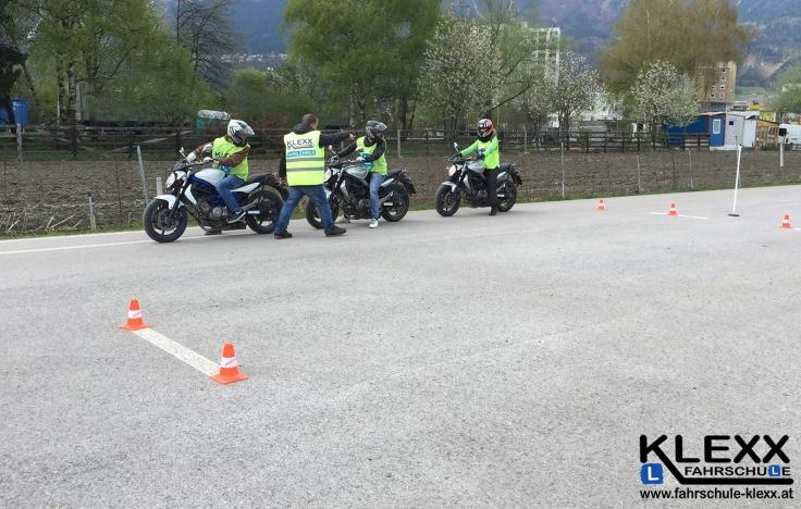 Fahrschule_Innsbruck_Fahrschule_Klexx_Motorradführerschein_1