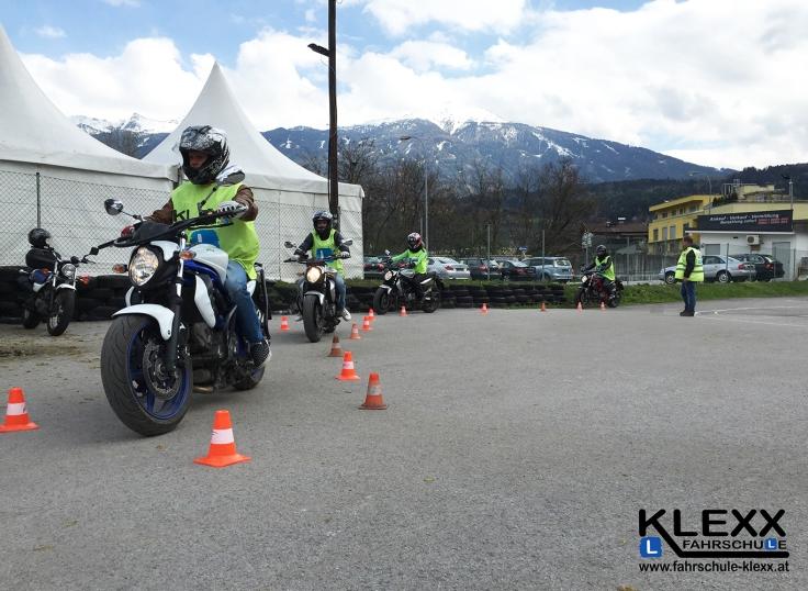 Fahrschule_Innsbruck_Fahrschule_Klexx_Motorradführerschein_3