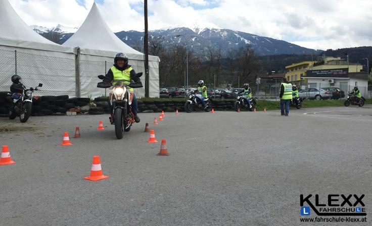 Fahrschule_Innsbruck_Fahrschule_Klexx_Motorradführerschein_4